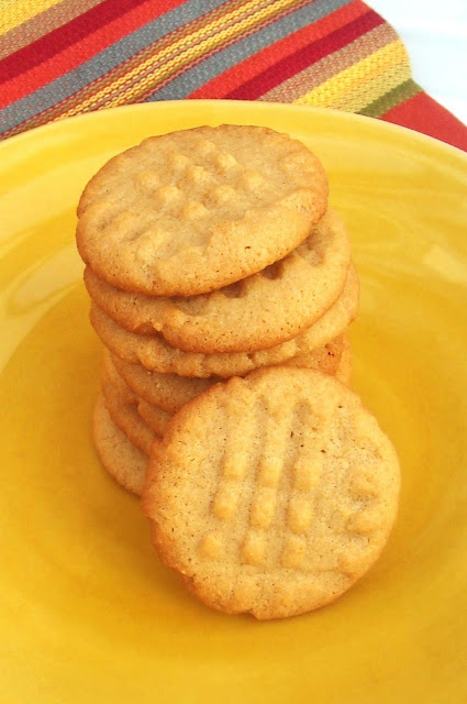Peanut-Butter-Cookies-Simple