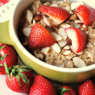 Strawberry Almond Oatmeal