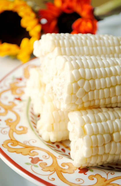 Cooking-Corn-on-the-Cob-Simple
