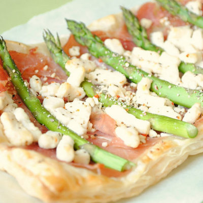 Prosciutto, Asparagus and Goat Cheese Puff Pastry Tart