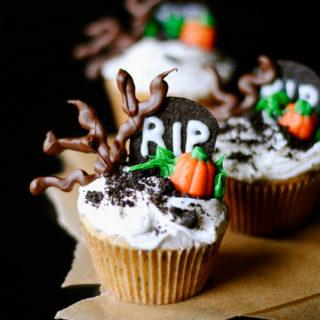 Spooky Graveyard Halloween Cupcakes