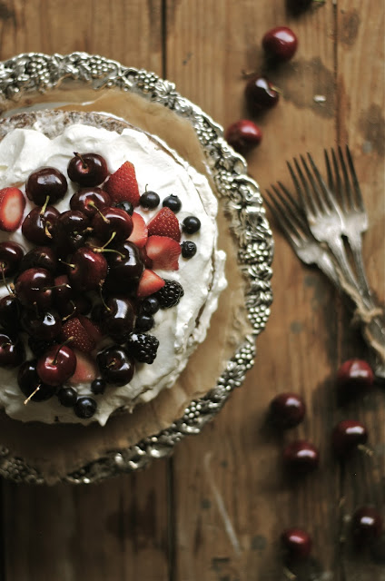 Chocolate-Nutella-Berry-Cake-Overhead-View-2