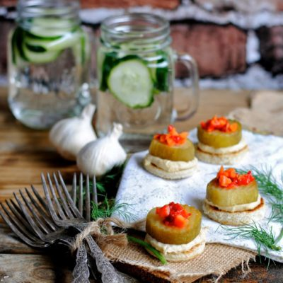 Zesty Hummus Canapé