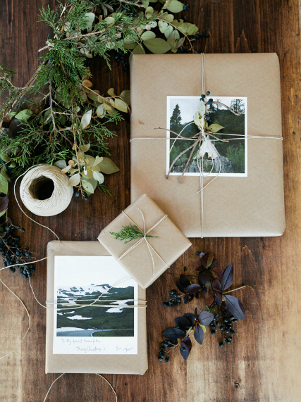 beautiful holiday wrapping idea