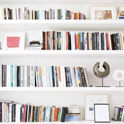 10 Tips for Decorating a Bookshelf