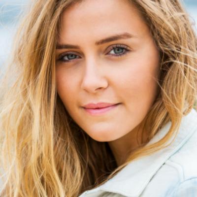How to Master the No-Makeup Makeup Look
