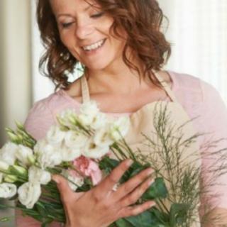 5 Tips for Making Beautiful Flower Arrangements