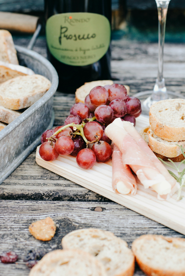 10 Food and Drink Options for a Happy Hour at Home