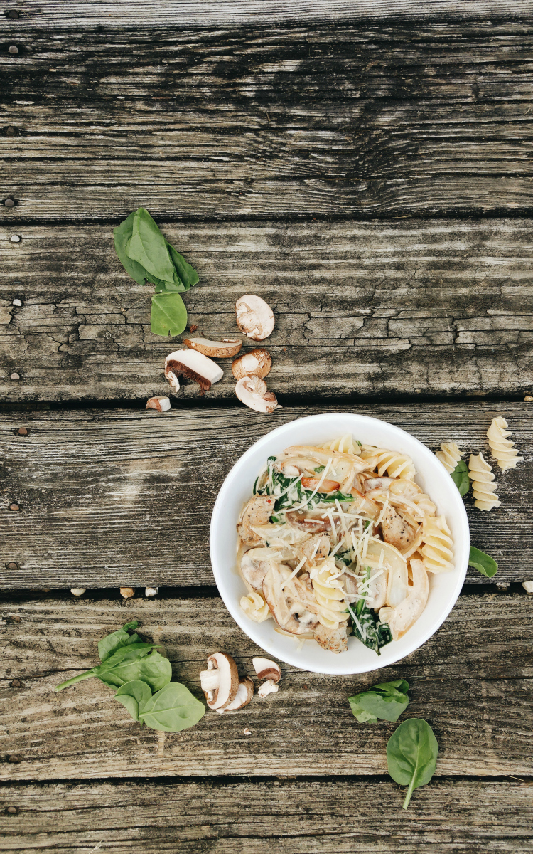 Creamy Black Pepper Pork Pasta with Mushrooms and Spinach